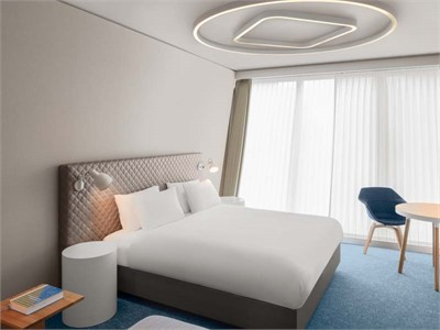 Hyatt Place Zurich Airport The Circle - Hotelzimmer mit Aussicht - Seminarhotelsschweiz - MICE Service Group